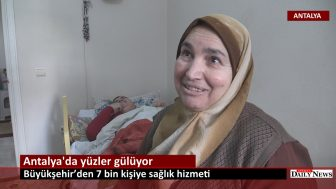 Türel  Antalya 'da yüzleri güldürüyor