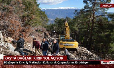 Kaş 'ta Dağları Kırıp Yeni Yol Açıyor